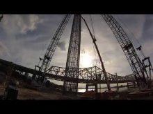 ORBP: Dual Manitowoc 2250 tandem lift