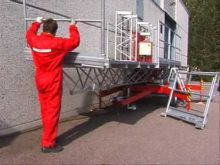 Scanclimber SC1000 mast climbing work platform – easy assembly and transportation